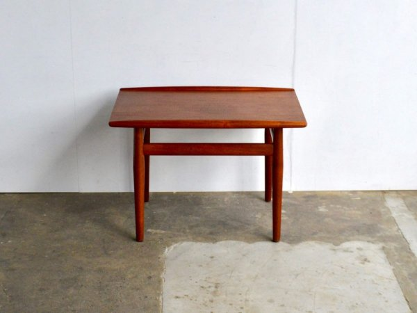 Side Table /Greta Jalk