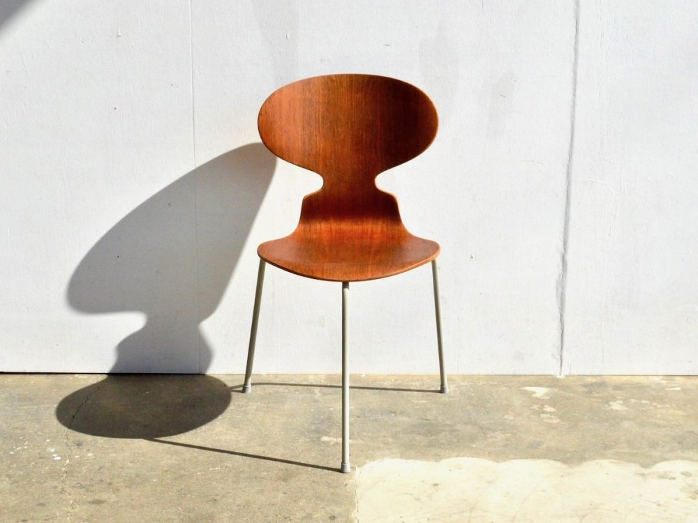 Chair / Model 3100