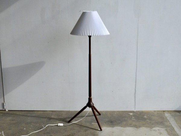 Floor Lamp (27)