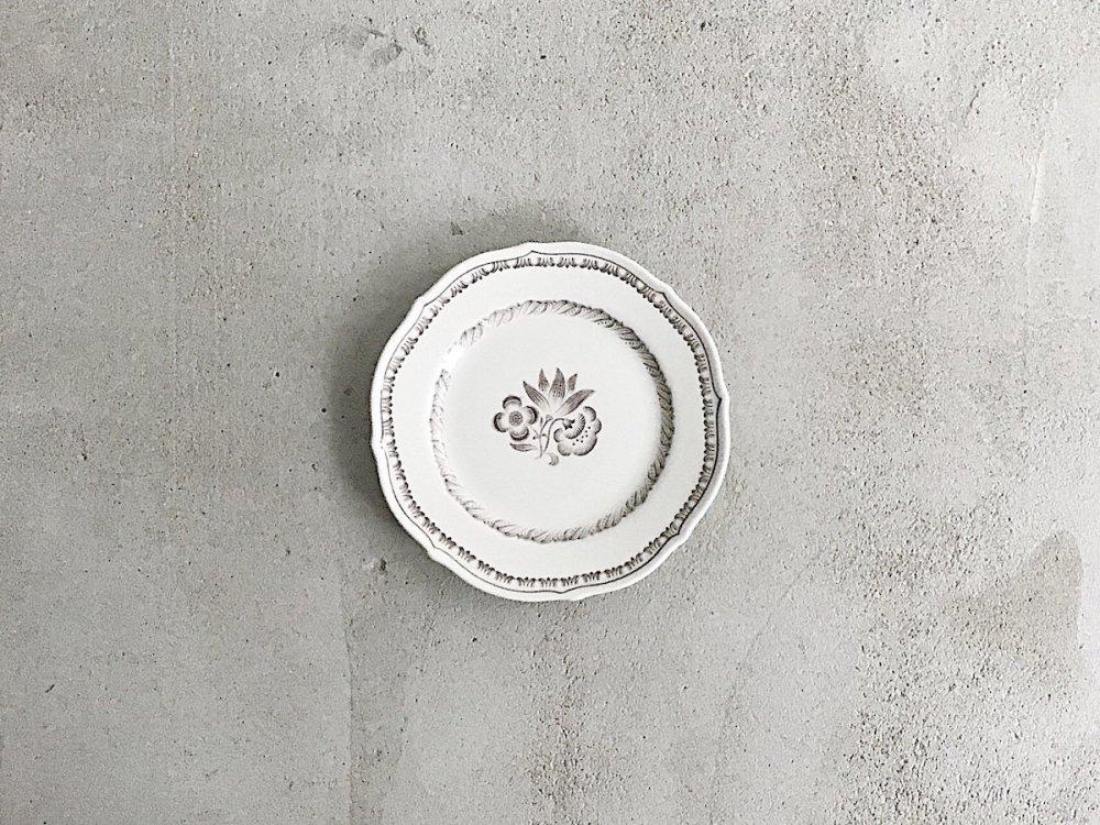 Cake  Plate  /  TRE-BLOMMOR