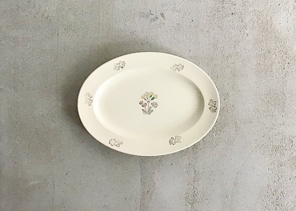 Oval  Plate ( 2 )  /  BLOMSTER