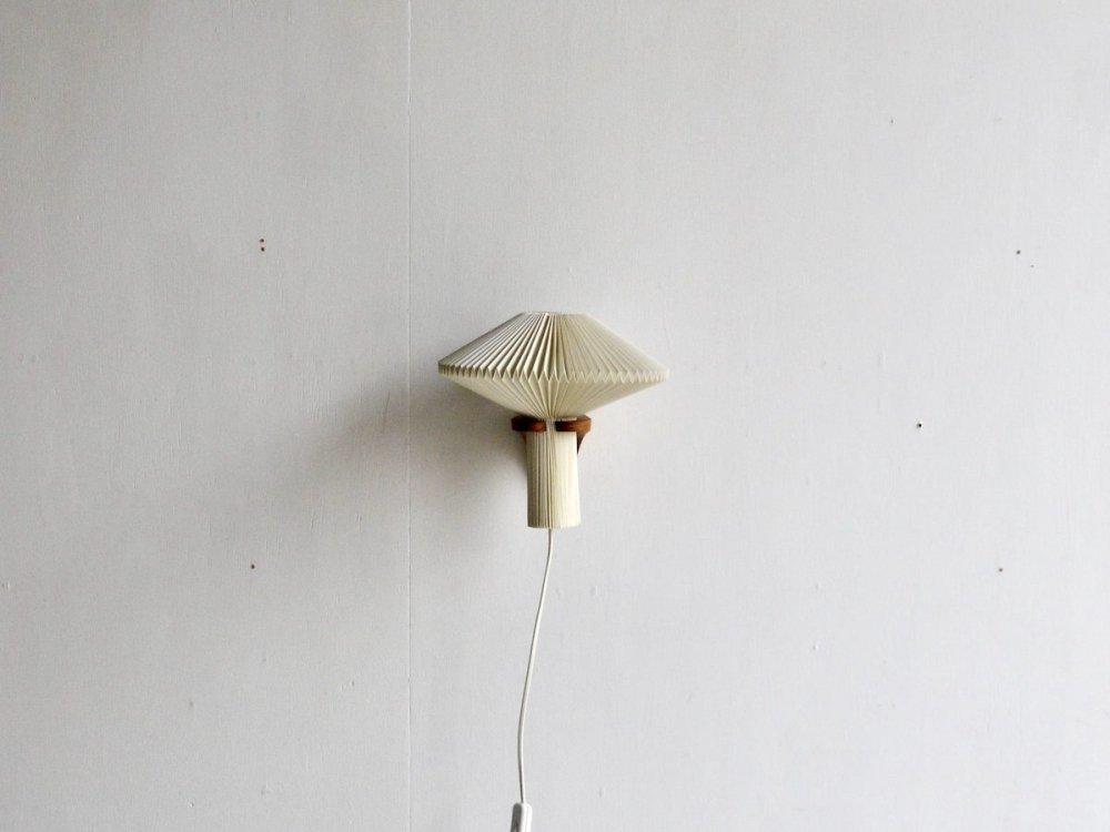 壁掛け用ランプ (1) / Le Klint