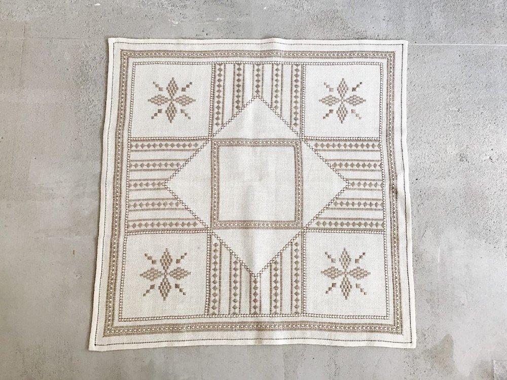 Table  Cloth  ( 1 )