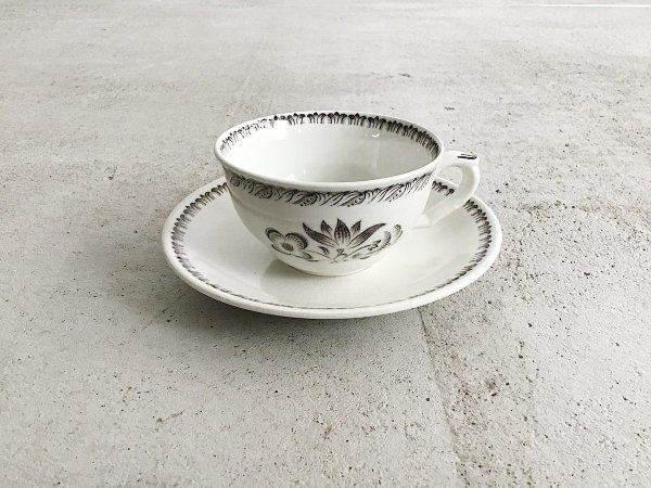 Cup & Saucer /  TRE-BLOMMOR