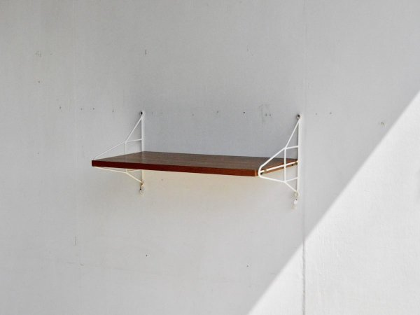 Wall Shelf (33) / String