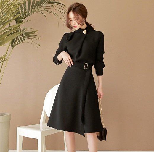 ベルト スタンドカラー シンプル Aライン フレア 黒 ミディアム 長袖 ドレス