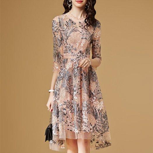華やか パールピンク 刺繍 花柄 フレア ミディアム 半袖 ドレス パーティー 結婚式 二次会