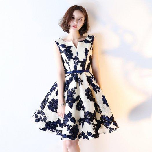 フラワーモチーフ フレア ショート 花柄 ノースリーブ バックコンシャス 結婚式 二次会 ドレス