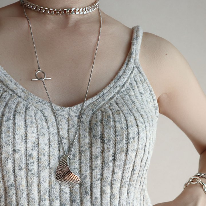SHELL top<br>SV/GD<br>-necklace
