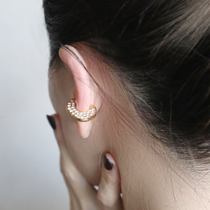 D crush<br>-ear cuff
