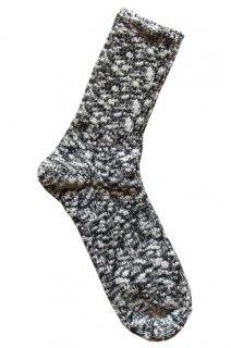 夏は涼しく冬は暖かい、麻が織り込まれたナチュラルテイストのロングセラーソックス 黒(TMSO-001BL)