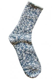 夏は涼しく冬は暖かい、麻が織り込まれたナチュラルテイストのロングセラーソックス 青(TMSO-001BU)