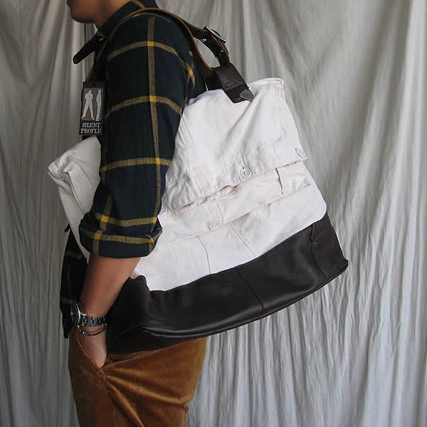 <img class='new_mark_img1' src='https://img.shop-pro.jp/img/new/icons41.gif' style='border:none;display:inline;margin:0px;padding:0px;width:auto;' />SILENT PEOPLE / REMAKE BAG Navy (58.000→37.800税抜)