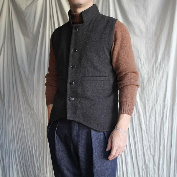 HACKNEY UNION WORKHOUSE / field gilet