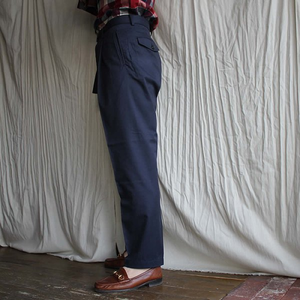 tilt the authentics / Belted 1tuck Light Trousers