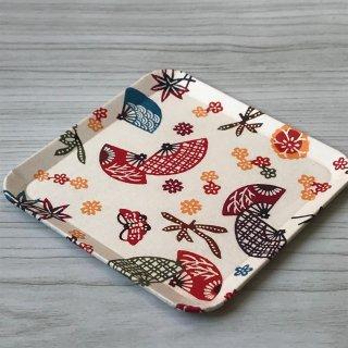 型染紙の角皿(扇に桜楓 紅型)