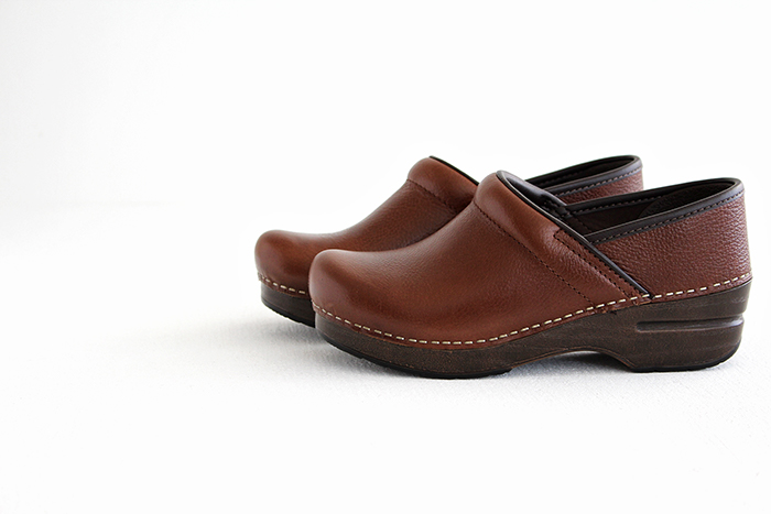 dansko professional pull up