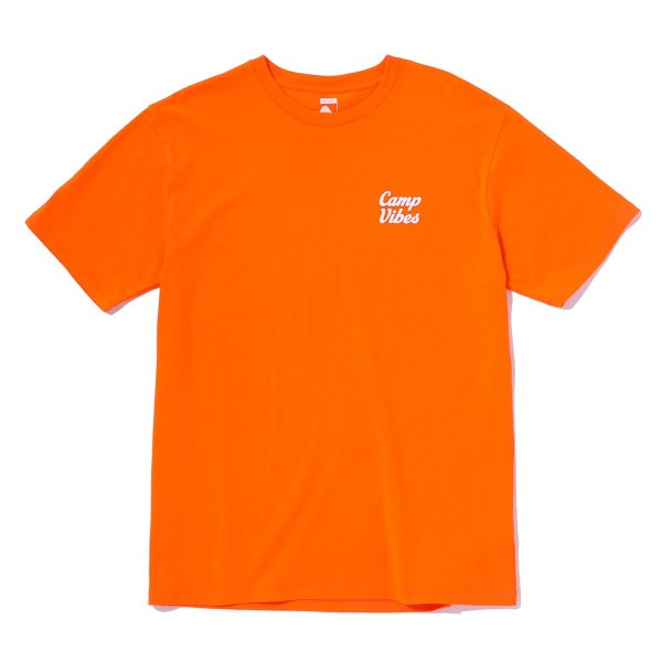 <img class='new_mark_img1' src='//img.shop-pro.jp/img/new/icons16.gif' style='border:none;display:inline;margin:0px;padding:0px;width:auto;' />CAMP VIBES TEE - ORANGE