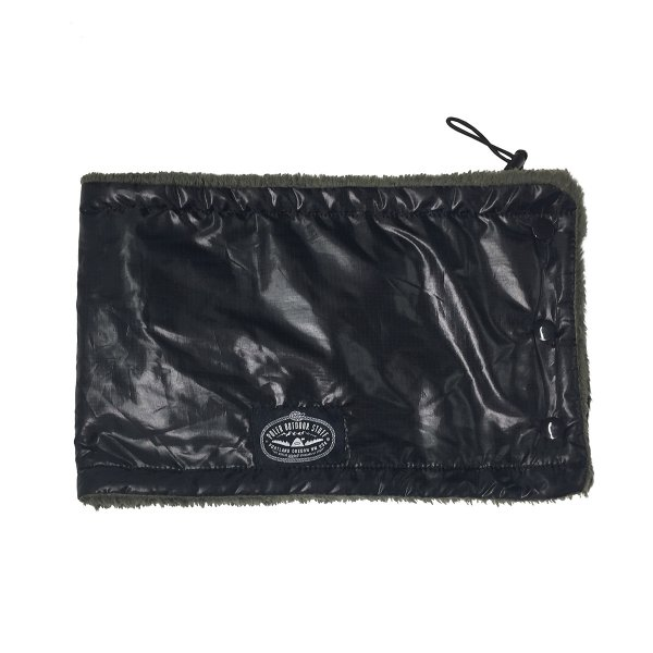 REVERSIBLE SHEEP FLEECE NECK WARMER - BLACK/OLIVE