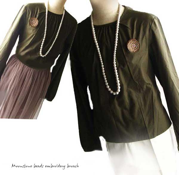 刺繍ブローチ、天然石 オレンジムーンストーン ビーズブローチ  -  ヌーディームーン