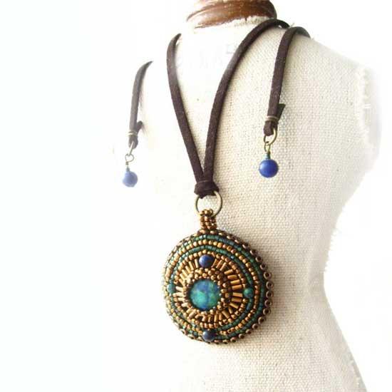 アズライトクリソコラ 天然石 ペンダント トップ ビーズ刺繍 ネックレス