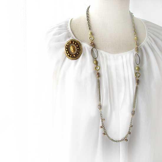 ビーズ刺繍ブローチ ゴールド ヴィンテージカボッション ビーズブローチ - クラシカルゴールド