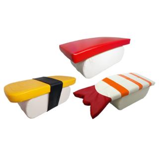 セットでお得。座って楽しい寿司3貫セット(マグロ、タマゴ、エビ)1コ<br>D900×W360×H320