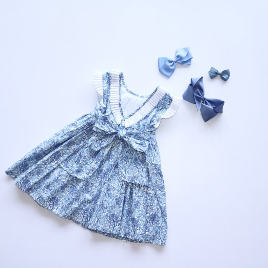 <img class='new_mark_img1' src='https://img.shop-pro.jp/img/new/icons14.gif' style='border:none;display:inline;margin:0px;padding:0px;width:auto;' />Amaia Kids - Ganivet dress - Blue アマイアキッズ - 花柄ワンピース