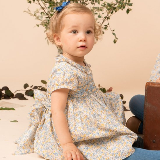 <img class='new_mark_img1' src='https://img.shop-pro.jp/img/new/icons14.gif' style='border:none;display:inline;margin:0px;padding:0px;width:auto;' />Amaia Kids - Moohren dress - Liberty Blue/Yellow アマイアキッズ - リバティプリントワンピース