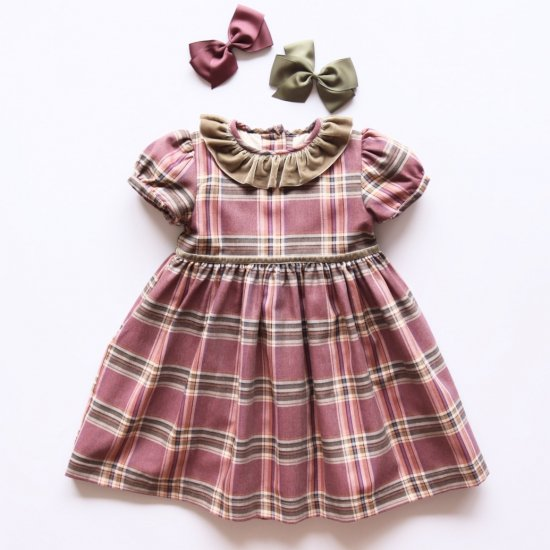 <img class='new_mark_img1' src='https://img.shop-pro.jp/img/new/icons14.gif' style='border:none;display:inline;margin:0px;padding:0px;width:auto;' />Amaia Kids - Raisin dress - Plum tartan アマイアキッズ - チェック柄ワンピース