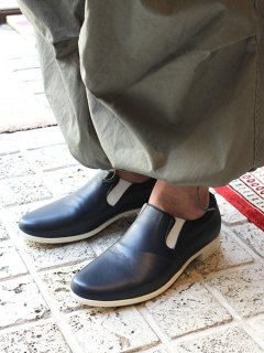TRAVEL SHOES by chausser <br>TR-003 NVY×WHT