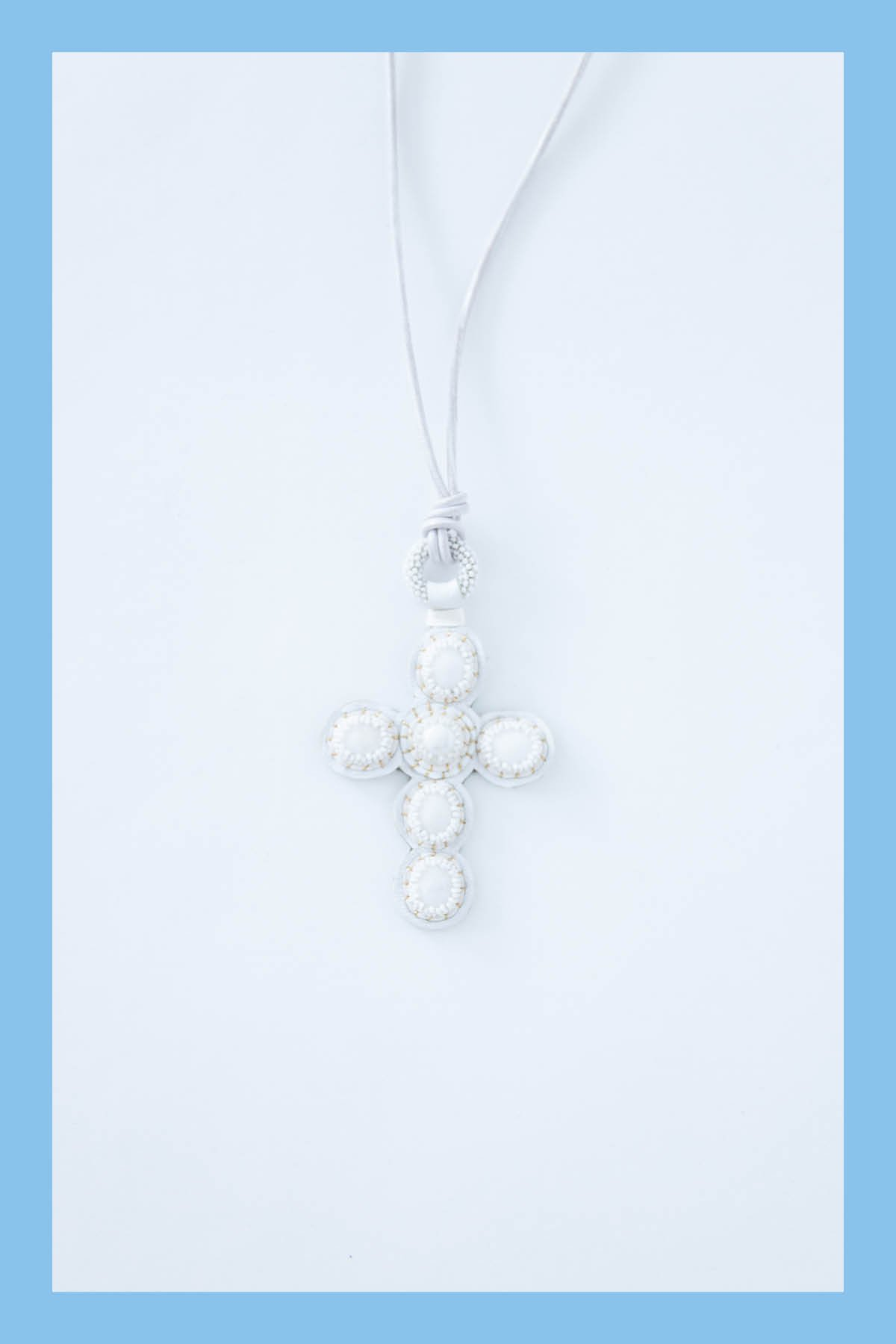 Robin Mollicone / CROSS NECKLACE