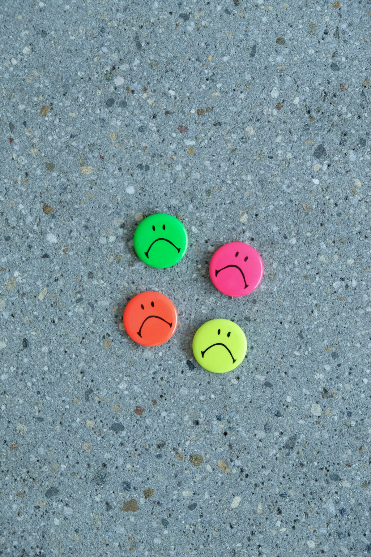 SMILE PINS