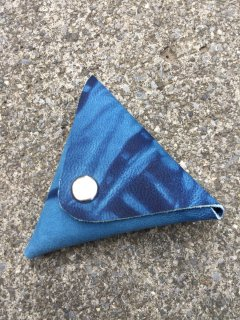 本革 藍染め レザー 三角コインケース 『 絞り 』日本製 山羊革 ハンドメイド
