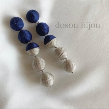 bonbon navy pierce earring