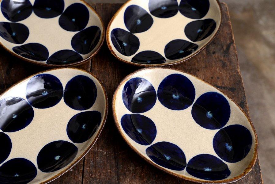 エドメ陶房 オーバル皿 丸紋コバルト