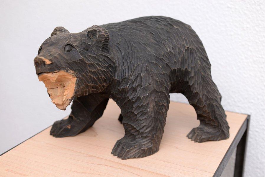 吠え熊 木彫り熊 北海道