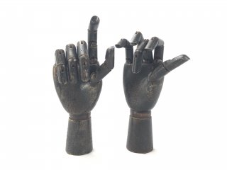 ARTICULATED WOOD HAND -Black