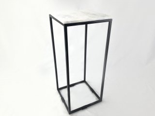 Q1 SIDE TABLE IRON FRAME MATT BLACK W/TOP WHITE MARBLE SMALL