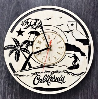 カリフォルニア州 木製壁掛け時計