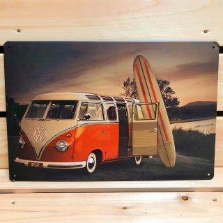 ワーゲンバスとサーフボードが西海岸テイスト抜群!VW BUS×SURFのブリキ看板