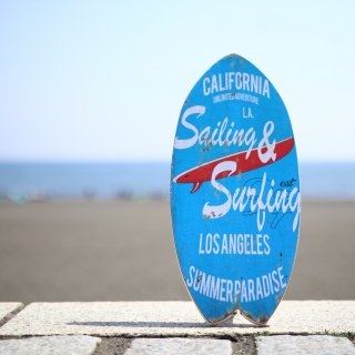 西海岸インテリアを演出するサーフボード型オブジェ。CA Surf