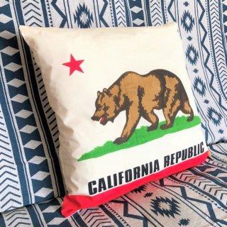 カリフォルニア州旗柄のクッション