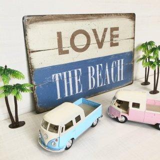 LOVE THE BEACHのブリキ看板