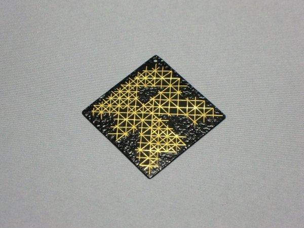 ペンダント 結晶 (正方形菱)