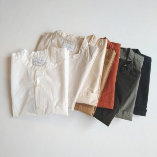 Manual Alphabet<br>LOOSE FIT BAND COLLAR S/S SHIRT