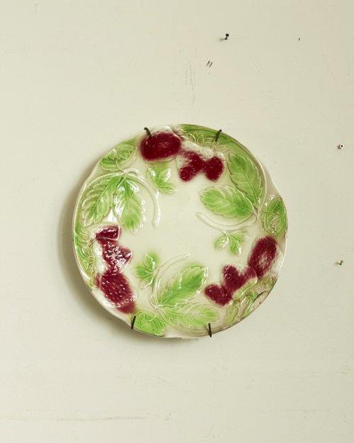 """バルボティーヌプレート """"ストロベリー""""  Barbotine Plate """" Strawberry"""""""