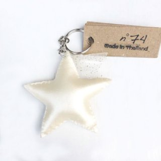 Numero74 [ヌメロ74] / Iridescent Star Key Chain / White
