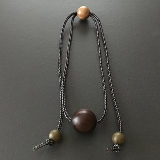 天然木ココボロのネックレス(ループ組紐)