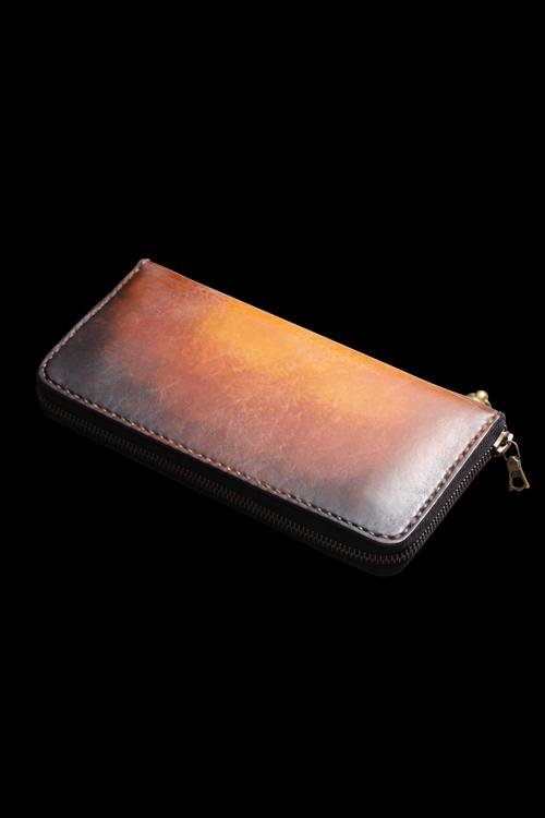 POLISH SHOULDER HAND-DYED PATINE FINISH ROUND FASTNER WALLET